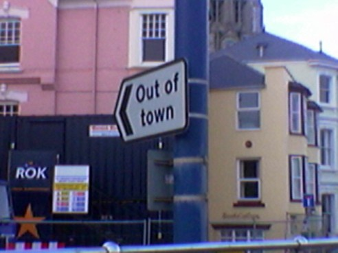 060205-TeignmouthOutOfTownSign