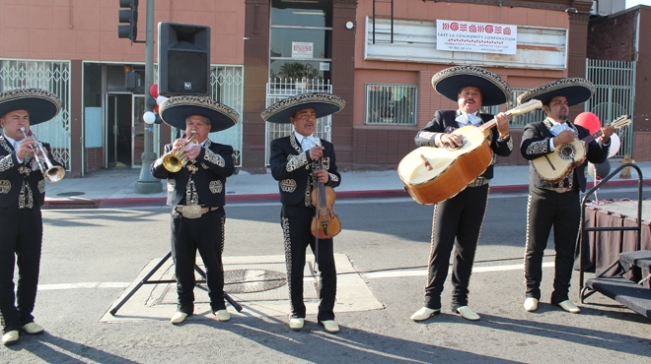 Mariachis playing in Mariachi Plaza (image from timeout.com)