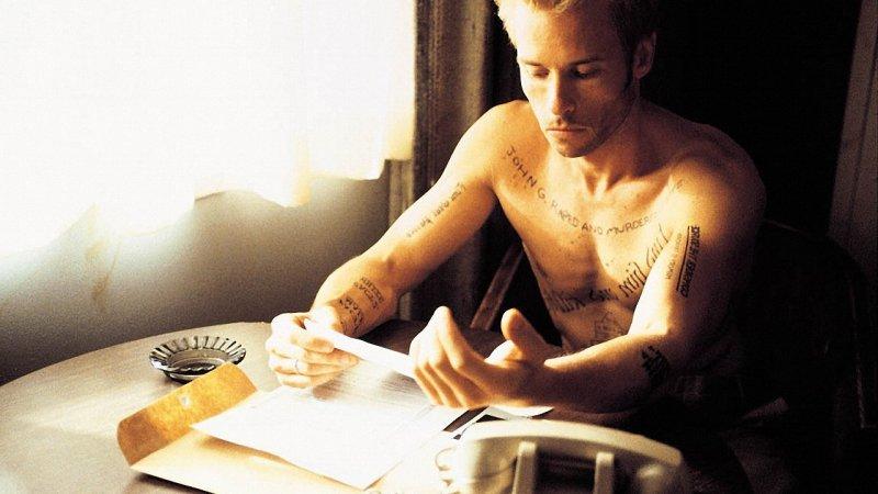 Memento, 2001.