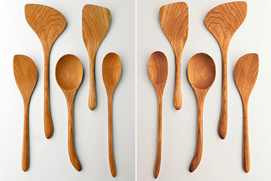 Left: left-handed utensils. Right: right-handed utensils.