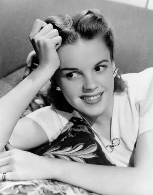 Nora - Judy Garland